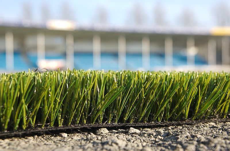 Injury risks of artificial turf in soccer (2/3)
