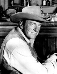 462px-James_Arness_Matt_Dillon_Gunsmoke_1967