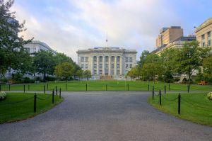 800px-Harvard_Medical_School_HDR