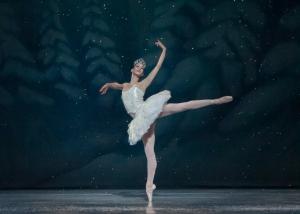 Angelina_Sansone_dans_Casse-Noisette,_Kansas_City_Ballet,_-4_décembre_2013_a