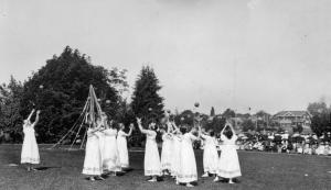 May_Day_Pageant_Greek_maidens_playing_ball_(4203990870)